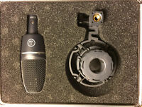 AKG C3000 B Condenser Mic with Case and Shockmount