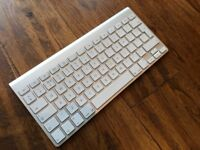 Apple bluetooth keyboard (old style)