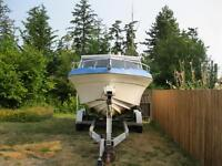 221/2 ft Cabin cruiser
