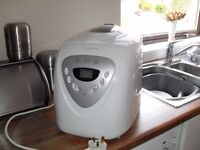 COOKWORKS BREADMAKER - NEARLY NEW CONDITION