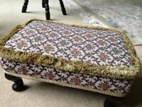 Foot stool Vintage Retro Queen Ann legs tapestry stool