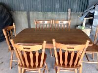 Kitchen table and 4/6 chairs