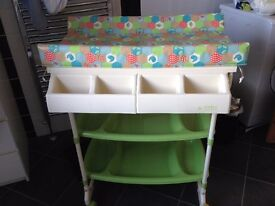 Baby Weavers Changing Unit with a BATH and 2 SHELVES