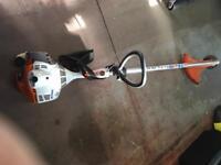 STIHL FS40 Petrol Brushcutter & Strimmer, 2 heads, strap, manual & fuel.