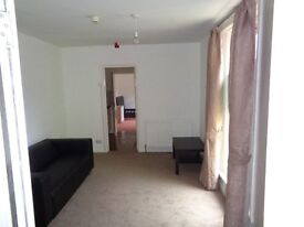 FURNISHED 1 BEDROOM FLAT TO LET NEAR UNIVERSITY AND CITY