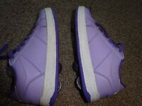 Girls Heely's size 1 (purple) - good condition