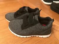 Boys trainers size infant 9