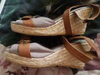 Brand new wedges size 6 very pretty