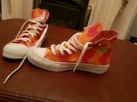 Converse trainers 3 1/2