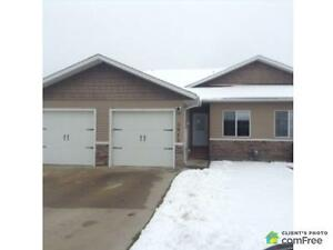 $355,000 - Townhouse for sale in Camrose