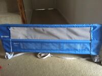 Lindam child's bed guard in blue