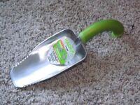 New lightweight aluminium ergonomic garden and allotment hand tool scooper trowel plant weeder