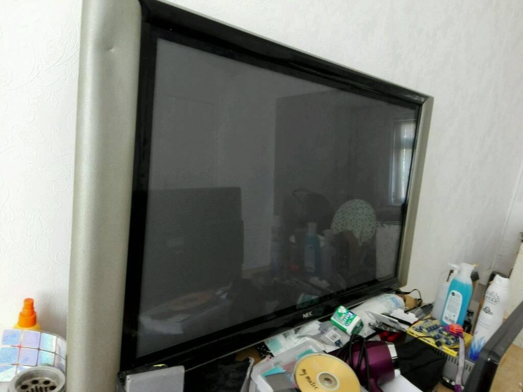 """NEC 33"""" flatscreen telly"""