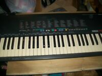 ELECTRIC ORGAN YAMAHA PSR-18