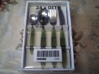 Cutlery Set, GREEN