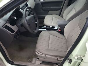 2011 Ford Focus SE, Drives Great Very Clean London Ontario image 11