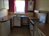 a 1 bed apt close to kirkdale train station, furnished, with double glazing and central heating
