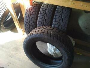 * LIKE NEW * 215/60R/17  WINTER SNOW TIRES ** PRIMEWELL VALERA ICE * FULL SET ** 215/60R17 *** 215/60/17 *** 215-60-17