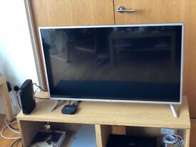 41'' LG LED TV with LCD screen (purchased 2015) in excellent condition for sale