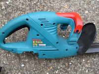 """Bosch cordless 18"""" double sided hedge trimmer / cutter with battery and charger."""