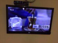 42 INCH EDGE LIT LED TV LG 42LE5900 FULL HD 1080P FULLY WORKING