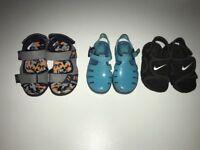 3 pairs of kids sandels Size 4/5