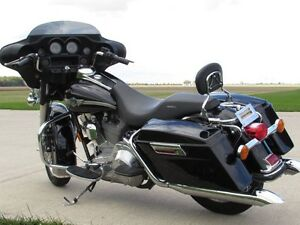 2003 harley-davidson FLHT Electra Glide  100th Anniversary  ONLY London Ontario image 4