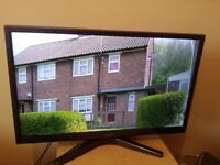 """Great condition 28"""" HITACHI LED SMART TV /DVD PLAYER COMBI hd ready freeview inbuilt"""