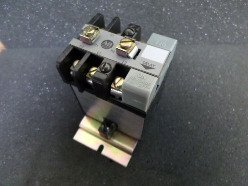 Allen Bradley 8525-C  Solid State Timing Relay
