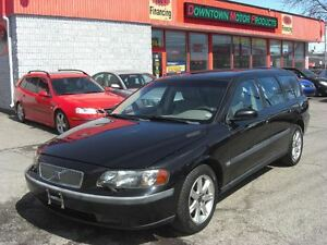 2004 Volvo V70 2.4 M *Leather & Sunroof*
