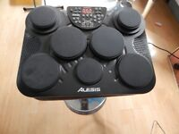 Alesis Compact Kit - 7 pads inputs for separate bass drum and HH inc. stand, sticks, PSU & Manual