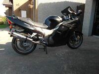 Honda SuperBlackbird 1137cc 2001-ONLY 9300 MLS- with FSH & 12 Months MOT