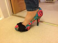Ladies size 7 shoes