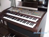 ORLA GT8000 Organ. Superb condition with original ORLA Stool.REDUCED FOR QUICK SALE