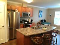 1 bed / 1 bath bright upper suite