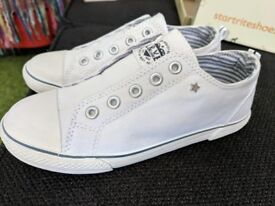 Brand new Next size 1 summer shoes