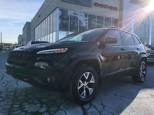 2016 Jeep Cherokee 4x4 Trailhawk * Panoramic Sunroof * Navigatio