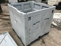 pallecon pallet box with lid