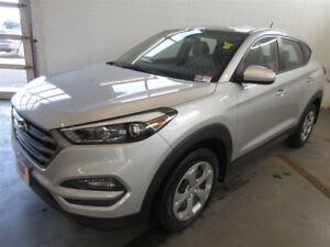 2016 Hyundai Tucson BACK-UP CAMERA! BLUETOOTH! HEATED SEATS!