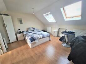 Studio flat in St. Marys Road, Golders Green, NW11