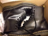 second hand Dr.Martens rarely used in great condition