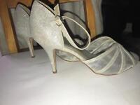 Gorgeous glitter high heels.