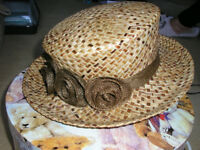 LADIES FINE DRESS HAT WITH BOX