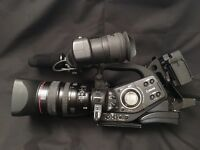 Canon XL H1 MiniDV Camcorder + 4 batteries + Kata Bag + Paglight and More