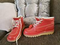 Mens red kickers
