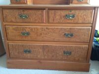 Antique chest of drawers / dresser