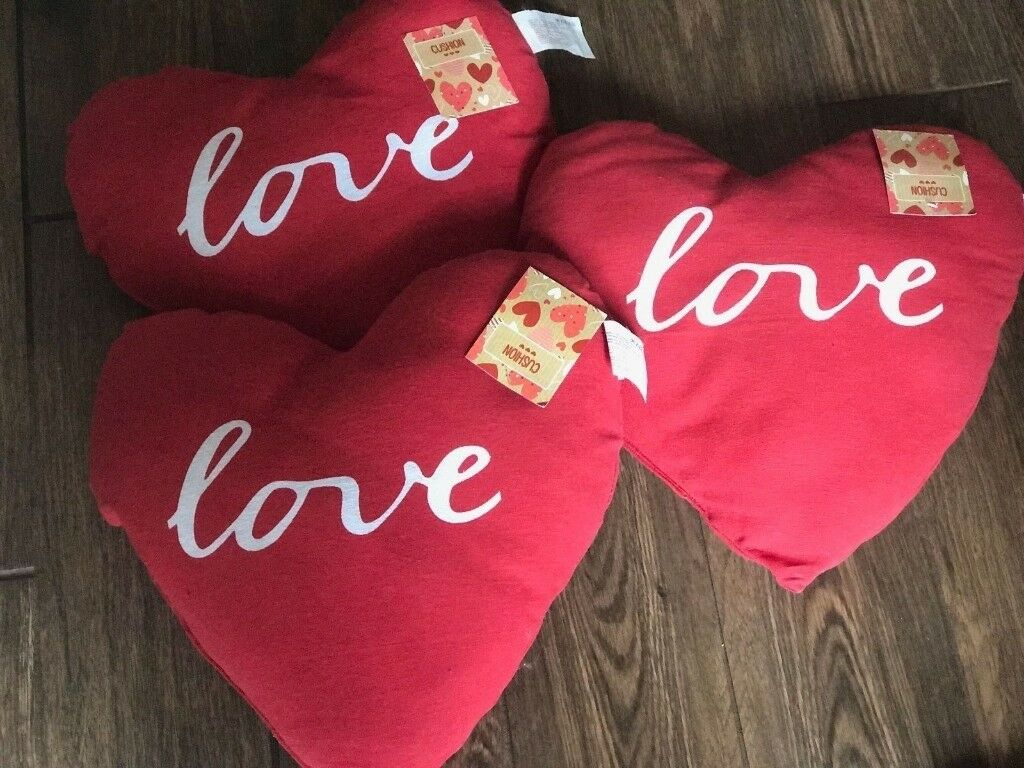 For sale 3 x New Red Pillows 36