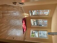 2 bedroom flat in Hampden Road, London , N8 (2 bed) (#1066780)