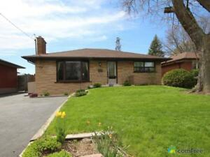 $660,000 - Bungalow for sale in Dundas