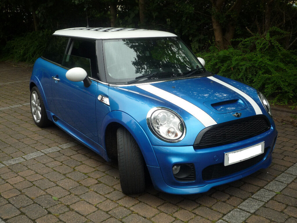 2007 r56 mini hatch cooper s 1 6 laser blue stunning example huge spec must see in witney. Black Bedroom Furniture Sets. Home Design Ideas